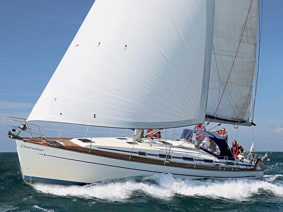 Sailing on the Solent, Skippered Yacht Charter, RYA Training Courses